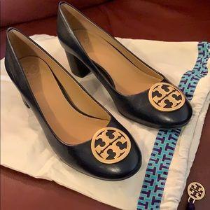 Tory Birch low heel Navy sz 8
